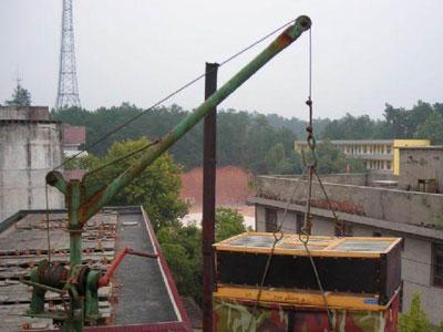 屋顶鸽舍小吊机(图)-信鸽园地焦点图片新闻