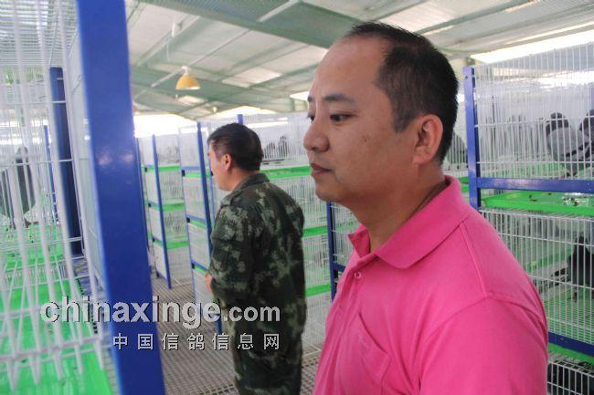 中信网-西安威力教练团队展肌肉(图)